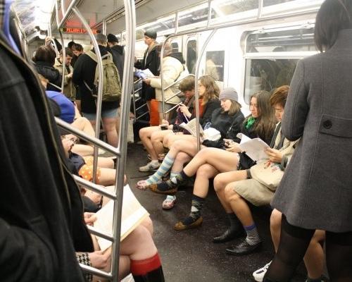improv everywhere enlève le pantalon dans le metro