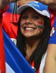 Supportrice de la Croatie souriante