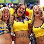 3 supportrices suédoises à fond !