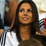 Jolie supportrice brune