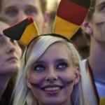 Supportrice allemande avec des oreilles de lapin