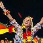 Supportrice de l'Allemagne heureuse