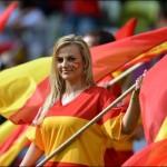 Supportrice au drapeau