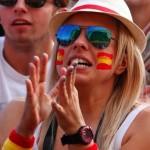 Supportrice espagnole sur les nerfs
