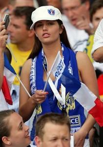 Supportrice de la France avec drapeau