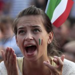 Supportrice italienne qui crie
