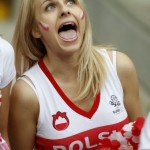 Supportrice polonaise excitée