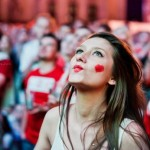 Supportrice de la Pologne duck face
