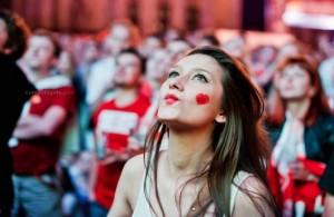 Supportrice de la Pologne duck face