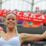 Supportrice polonaise blonde