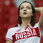 Supportrice russe inquiète