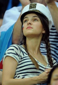 Supportrice russe en marin
