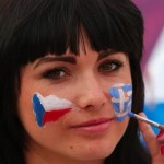 Supportrice tchèque brune