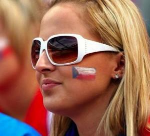 Supportrice tchèque maquillée
